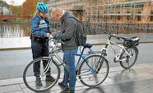 Un cycliste verbalisé sur le pont du Corbeau (archives).