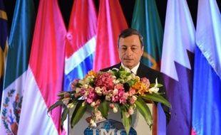 """Le président de la Banque centrale européenne (BCE), Mario Draghi, s'attend à une """"amélioration graduelle"""" de la situation financière de la zone euro avant la fin de l'année, a-t-il déclaré lundi à Shanghai."""