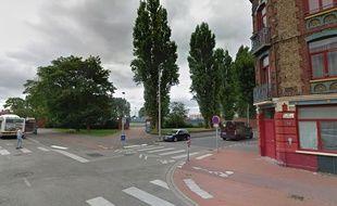 Le carrefour des rues du Fort Louis et Saint Charles, à Dunkerque.