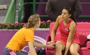 La Française Marion Bartoli, tête de série N.5 et 7e joueuse mondiale, a été contrainte à l'abandon victime de crampes samedi en demi-finale du tournoi de Doha (Qatar) contre l'Australienne Samantha Stosur, tête de série N.3 et 5e mondiale.