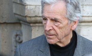 Costa-Gavras, aux funérailles de Régine Desforges, à Paris, le 10 avril 2014.