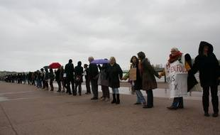 Chaîne humaine du collectif citoyen pour le climat à Bordeaux le 29 novembre 2015