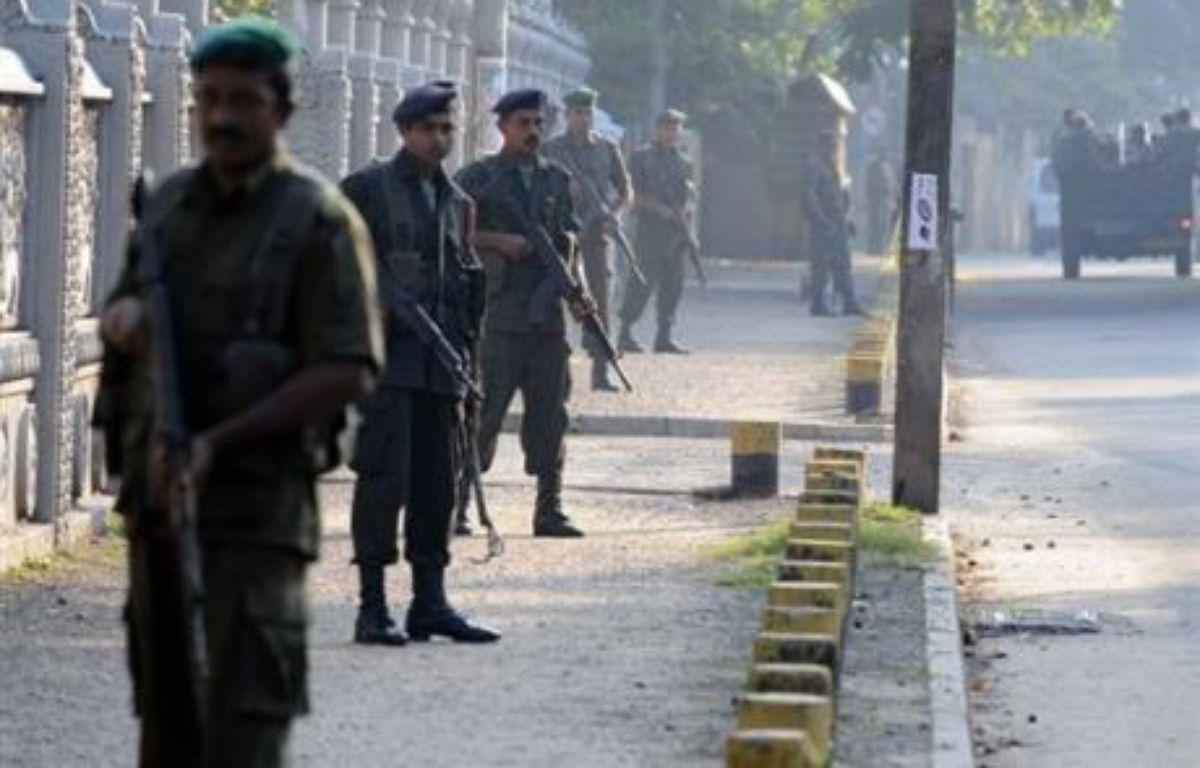 Au moins 24 civils ont été tués mercredi et des dizaines d'autres blessés par un attentat à la bombe contre un bus au Sri Lanka le jour de la rupture officielle d'un cessez-le-feu scellé en 2002 entre le gouvernement et les rebelles tamouls. – Sanka Vidanagama AFP/Archives