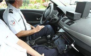Unradar embarquédans une voiture de la police à Blagnac, le 11 juin 2013.