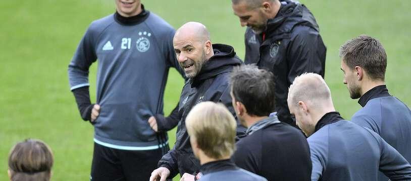A l'Ajax, Peter Bosz a été déterminant dans l'éclosion de talents comme Frenkie de Jong (numéro 21).