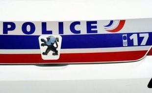 La police a découvert mercredi près de Belfort, dans l'Est de la France, une très importante cache d'armes sans doute destinées au banditisme dans le cadre d'une enquête qui a permis quatre arrestations à ce jour.