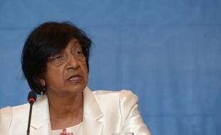 """La Haut Commissaire aux Droits de l'Homme des Nations Unies, Mme Navi Pillay, a appelé vendredi """"tous les services du gouvernement américain à agir ensemble"""" pour fermer le centre de détention de Guantanamo."""