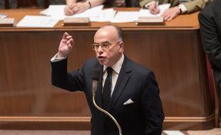 Le ministre de l'Intérieur Bernard Cazeneuve dans l'hémicycle le 13 janvier 2015.