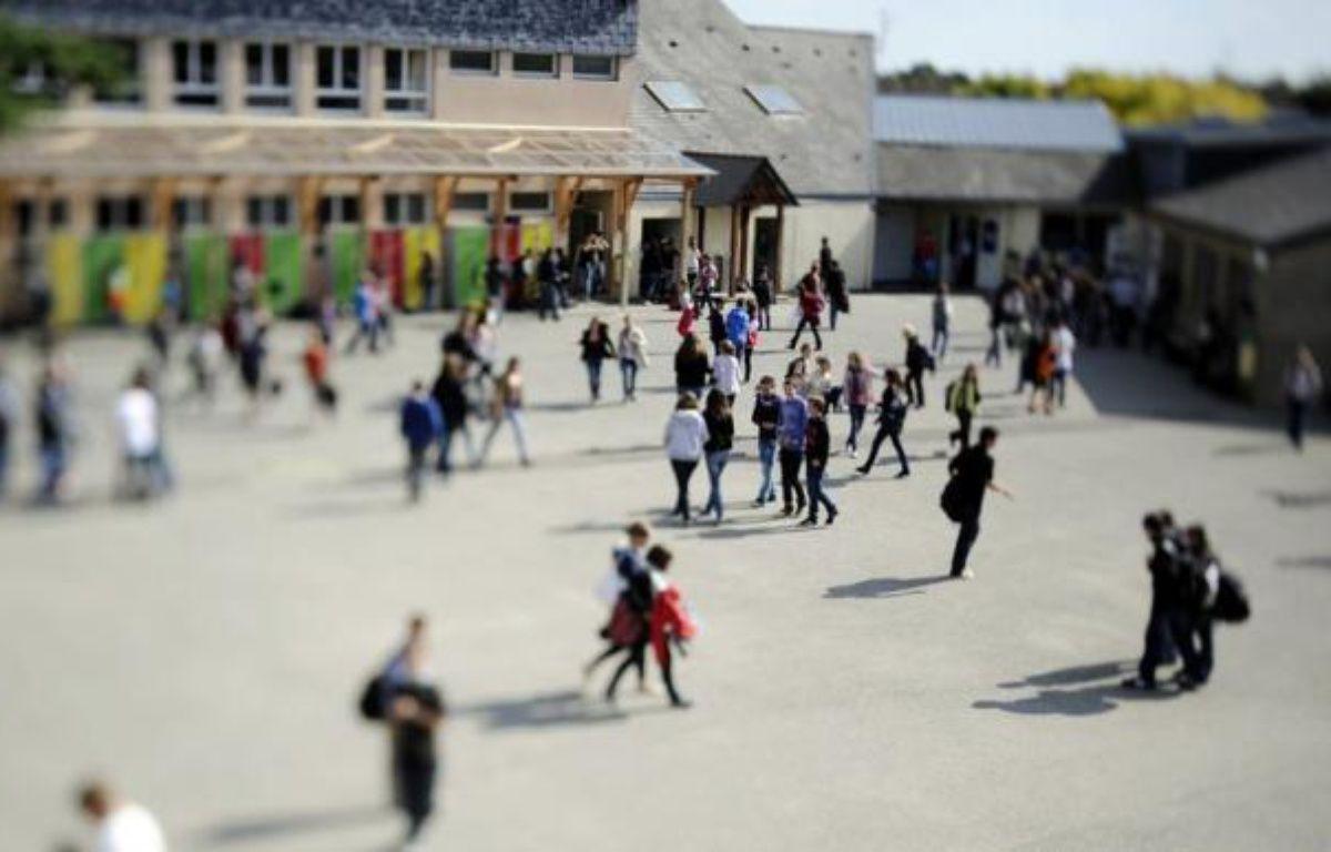 Un garçon de 13 ans a été gravement blessé vendredi matin dans une bagarre avec un autre élève pendant la récréation du matin au collège de Cleunay, à Rennes, a-t-on appris vendredi auprès de l'inspecteur d'académie d'Ille-et-Vilaine – Damien Meyer afp.com