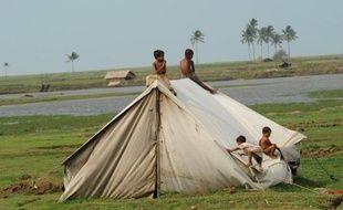 La Birmanie a suspendu les opérations de Médecins sans frontières (MSF) dans l'Etat Rakhine, secoué depuis 2012 par des violences communautaires meurtrières, a indiqué un responsable vendredi, alors que les Etats-Unis réclamaient l'accès sans restriction de l'aide humanitaire.