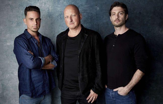 Le réalisateur du documentaire «Leaving Neverland», Dan Reed, entouré des deux accusateurs de Michael Jackson, Wade Robson (gauche) et James Safechuck.