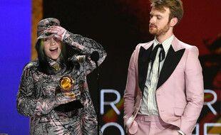 La chanteuse Billie Eilish et son frère Finneas, aux Grammy Awards 2021