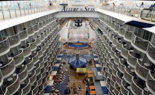Les chantiers navals STX Europe ont livré jeudi à Turku (ouest de la Finlande) le plus gros paquebot du monde, l'Allure of the Seas, à son propriétaire Royal Caribbean International, marquant la fin d'une période faste pour l'emploi dans la région.