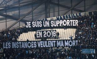 Les supporters marseillais ont déployé des banderoles pour dénoncer leur situation en France