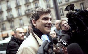 Arnaud Montebourg, le 11 janvier 2011, devant le siège du Parti socialiste.