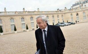 """Le président des sénateurs PS, François Rebsamen, a reconnu mercredi avoir conseillé à Jean-Marc Ayrault de """"virer"""" un ministre pour l'exemple."""