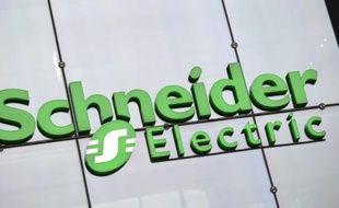 Logo de Schneider Electric au siège de la compagnie à Reuil-Malmaison, près de Paris, le 4 septembre 2014