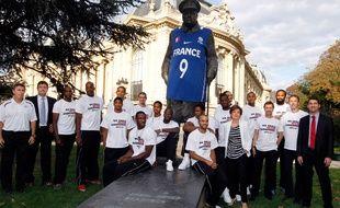 Nike avait habillé la statue de Churchill en 2011.