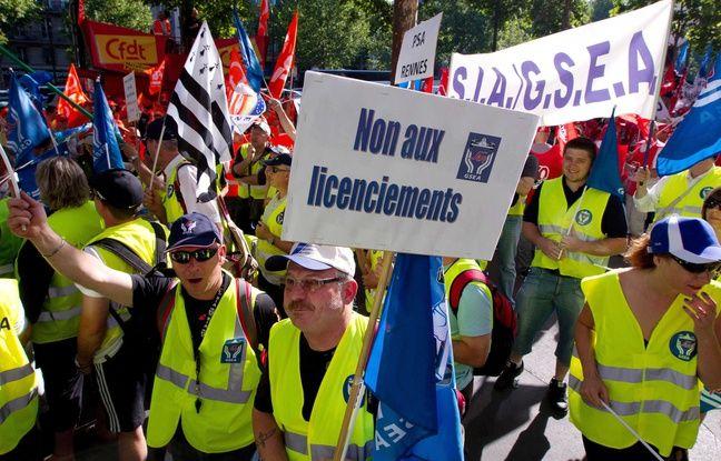 Manifestation d'employés de PSA Peugeot Citroen à Paris en 2012