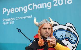 Un supporter allemand aux JO de Pyeongchang, une bière à la main.