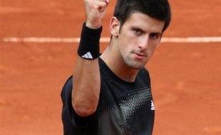 Rafael Nadal, triple tenant du titre, s'est qualifié pour les demi-finales de Roland-Garros où il rencontrera le Serbe Novak Djokovic pour un choc très attendu, après sa victoire, une nouvelle fois expéditive, sur Nicolas Almagro en trois sets 6-1, 6-1, 6-1.