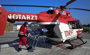 Un patient français, rapatrié vendredi par hélicoptère après avoir été soigné à Essen, en Allemagne.