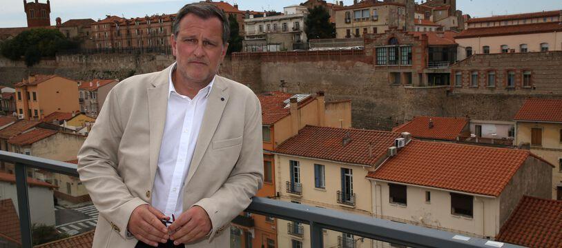 Louis Aliot se dit intéressé pour prendre la présidence par intérim du RN pendant la campagne présidentielle de Marine Le Pen.