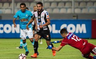Thiago Maia évolue actuellement sous les couleurs du club brésilien de Santos...