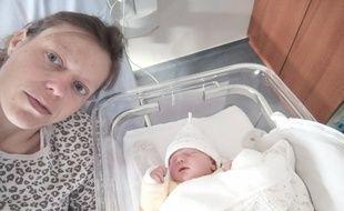 Julie, la maman, avec sa fille Camille.