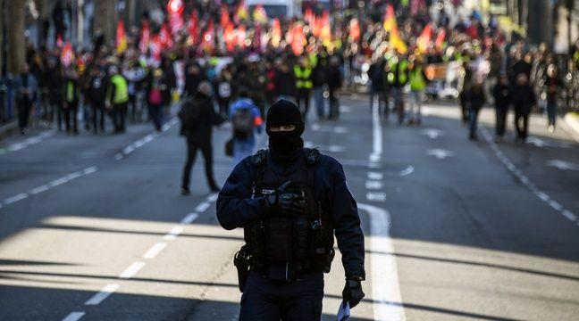 Des policiers cagoulés dans un lycée parisien pour sécuriser les E3C ?