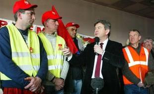 Jean-Luc Mélenchon à Saint-Fons (Rhône), avec les salariés d'Arkema, le 7 février 2012