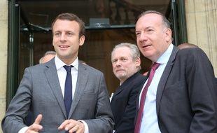Emmanuel Macron, ministre de l'Economie, et Pierre Gattaz, patron du Medef, le 11 juillet 2016 à Paris.