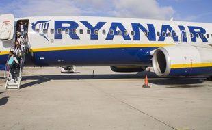 Il prend de la prison ferme pour une fausse alerte à la bombe dans un avion de Rynair (illustration).