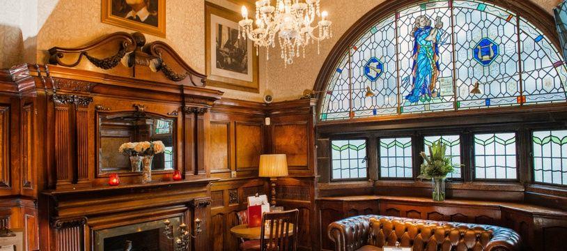 Le Philharmonic Dining Rooms, pub historique de Liverpool où les Beatles avaient pour habitude de se réunir pour boire des pintes.