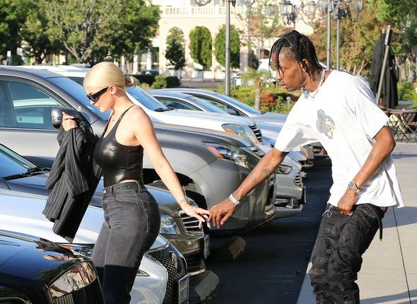 Kylie Jenner and Travis spending hours at jewelry store to chose wedding bands at Calabasas mall monday august 13, 2018 X17online.com//X17_X170111002/Credit:X17/SIPA/1808140831