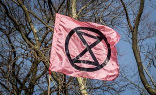 Le drapeau d'Extinction Rebellion lors d'une action à New York en février dernier (photo d'illustration)