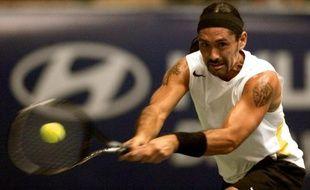 Le Chilien Marcelo Rios et l'Argentin Guillermo Coria, anciennes gloires du circuit ATP, vont disputer en mars 2013 un match-exhibition dans une mine de cuivre chilienne, à 1500 m de profondeur, ont annoncé samedi les organisateurs.