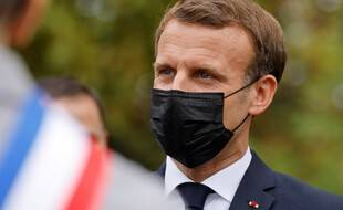 Emmanuel Macron, le 2 octobre 2020 aux Mureaux.