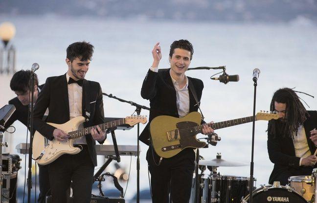 Les BB Brunes en concert à Cannes, en 2013.