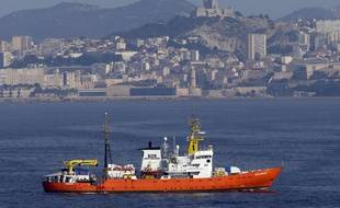 L'Aquarius quitte le port de Marseille, le 1er août 2018.