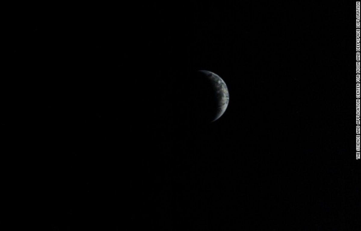 Une photo de la Lune, prise par un robot chinois en 2013. – CNSA, agence spatiale chinoise