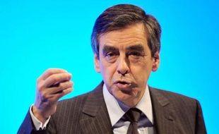 """Le Premier ministre François Fillon a estimé mercredi, à quatre jours du deuxième tour de la présidentielle, que """"les jeux ne sont pas faits"""", en exhortant quelque 800 militants venus le voir à Nantes à convaincre leurs proches de voter Nicolas Sarkozy"""