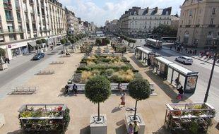 La partie nord de place de la République (à gauche sur la photo) sera fermée aux voitures pour faire de la place aux cyclistes et piétons à Rennes.