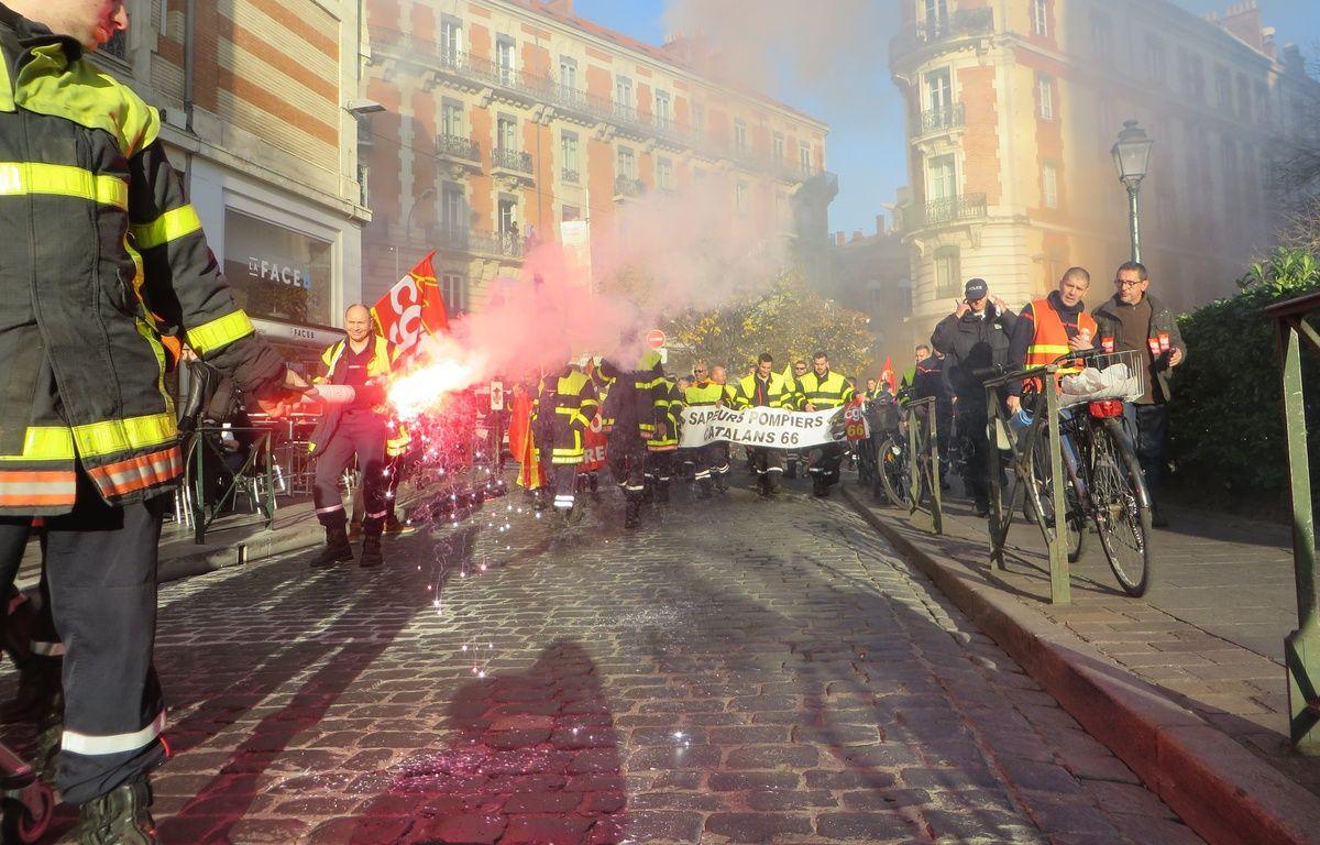 Manifestation des sapeurs pompiers de la Haute-Garonne le 6 décembre 2016 à Toulouse. – B. Colin / 20 Minutes
