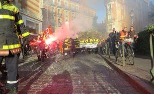 Manifestation des sapeurs pompiers de la Haute-Garonne le 6 décembre 2016 à Toulouse.