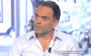 """Yann Moix invité de l'émission """"Salut les Terriens"""" le 25 avril 2015"""