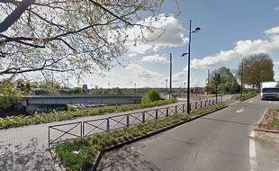 Le pont Villars, à Valenciennes.