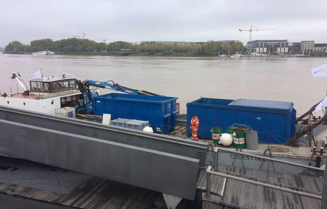Les déchets des bateaux collectés par voie fluviale dans le port de Bordeaux