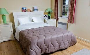 Une parure de lit jetable Easytex.