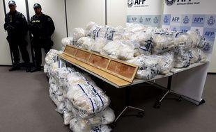 L'Australie a annoncé mercredi 5 avril la découverte dans des lamelles de parquet de 903 kg de méthamphétamine, la plus importante saisie de cette drogue.